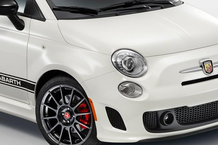 Abarth 595 C Cabrio 1.4 T-Jet 180PS EsseEsse 70th 2Dr Manual detail view