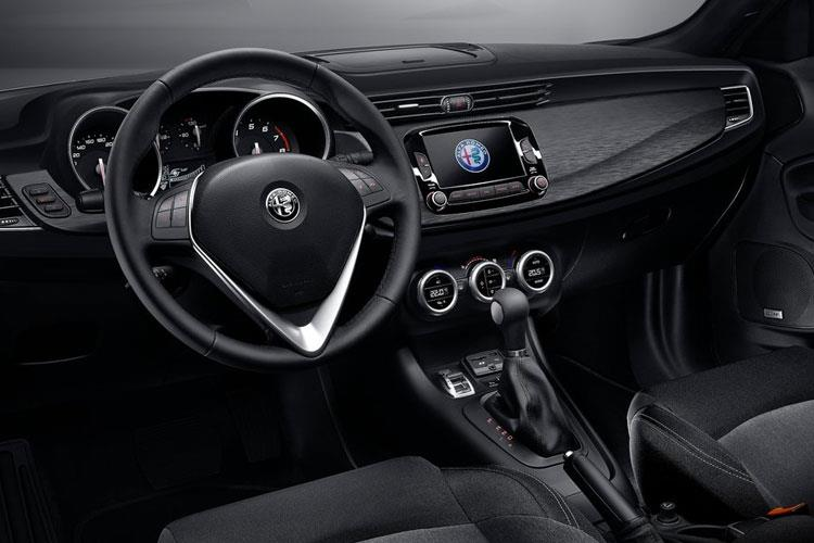 Alfa Romeo Giulietta Hatch 5Dr 1.6 JTDM-2 120PS Super 5Dr Manual [Start Stop] inside view