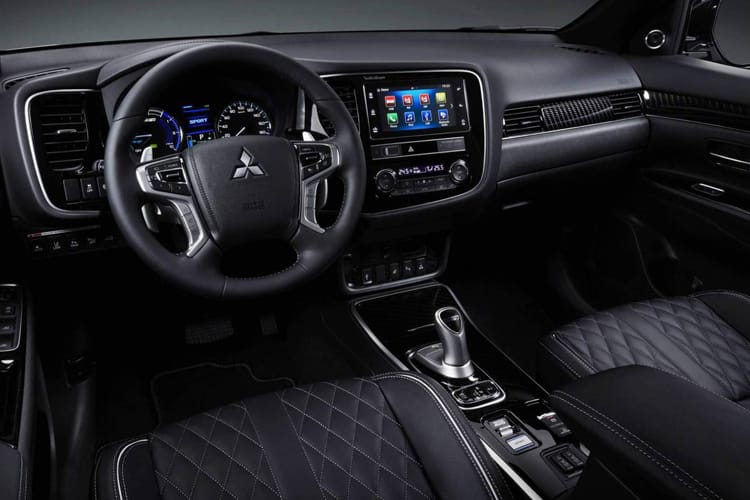 Mitsubishi Outlander PHEV SUV 2.4 h TwinMotor 13.8kWh 224PS Exceed 5Dr CVT [Start Stop] inside view