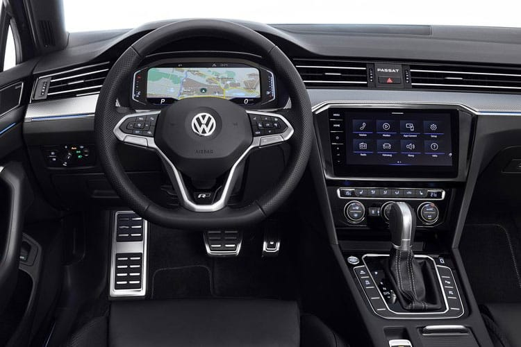 Volkswagen Passat Estate 1.5 TSI EVO 150PS SEL 5Dr DSG [Start Stop] inside view